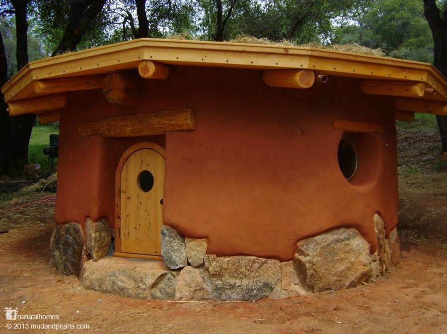 beautiful cob roundhouses built by Rob Pollacek
